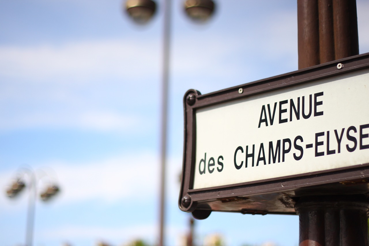 champs-elysee-eciffice